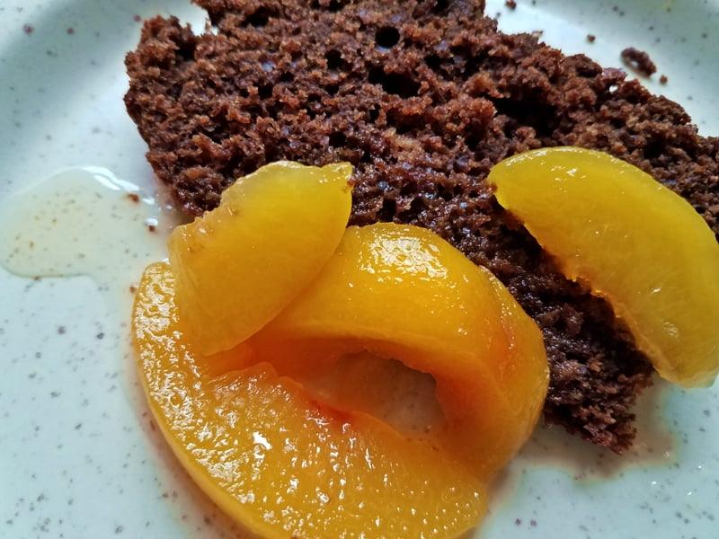 cocoa bread with peaches